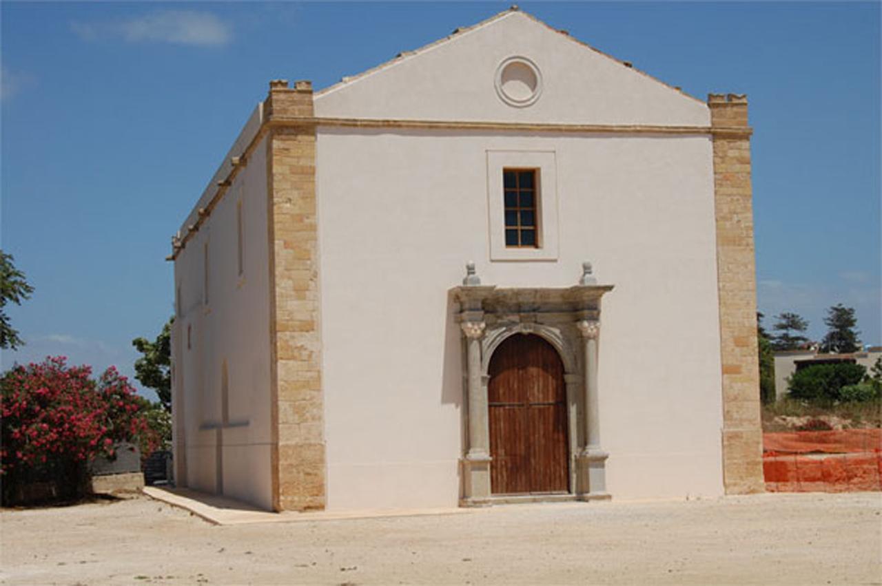 Chiesa di San Giovanni e Grotta della Sibilla